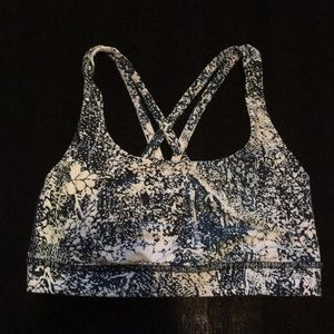 New lululemon energy Bra sz 4 yoga top lulu bra
